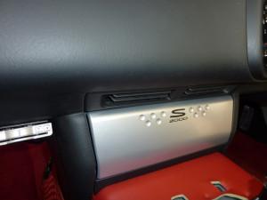 ホンダ「S2000」にカーオーディオ取り付け