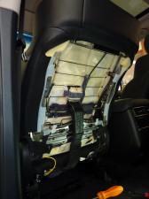 レクサス「LX570」に後席モニター取り付け